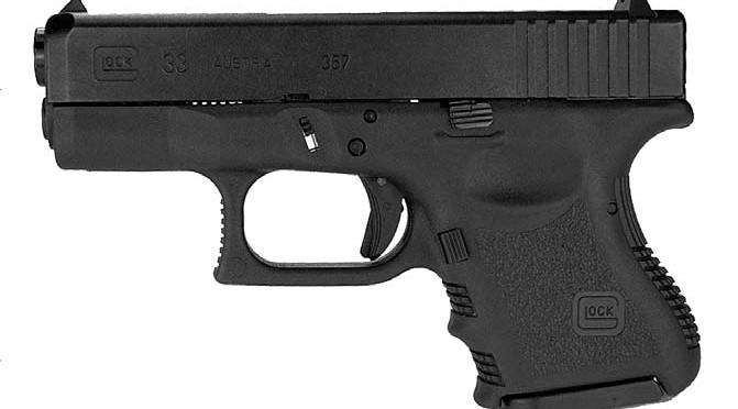 La Glock G33: una pistola subcompatta con un caricatore da 9 colpi .357 SIG